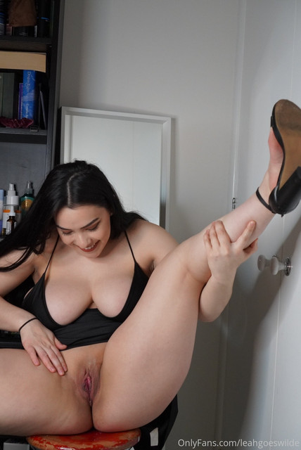 Leah-Wilde-Leahgoeswilde-Onlyfans-Nude-Video-and-Naked-Pics-18