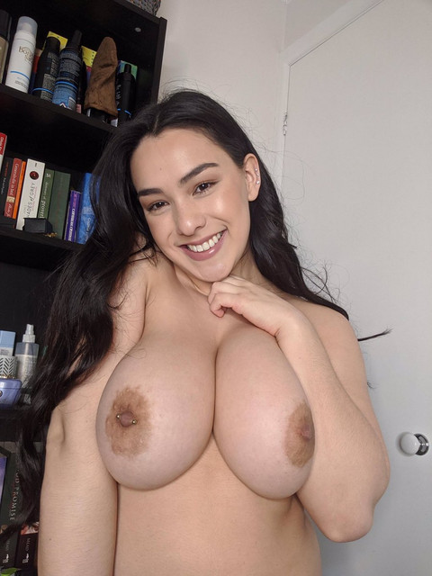 Leah-Wilde-Leahgoeswilde-Onlyfans-Nude-Video-and-Naked-Pics-31