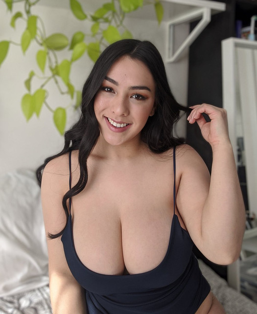 Leah-Wilde-Leahgoeswilde-Onlyfans-Nude-Video-and-Naked-Pics-32